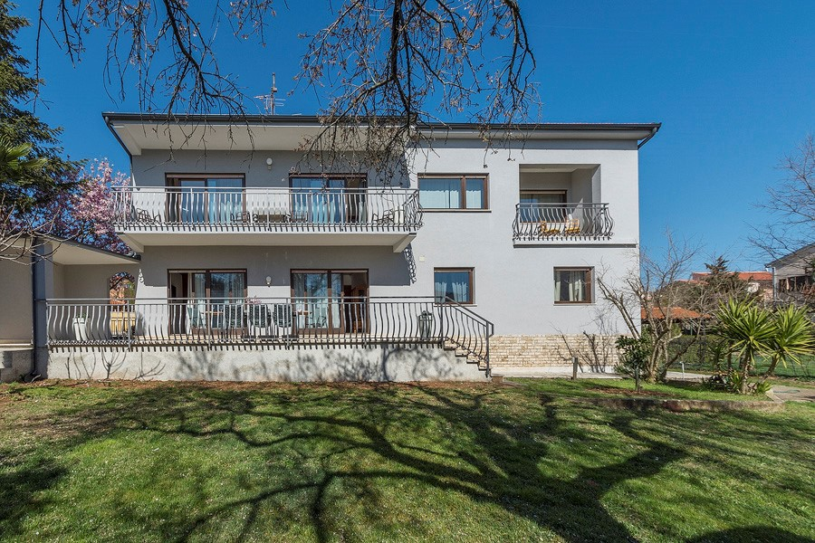 Ferienhaus Gemutliches Haus Magnolia fur 2 Familien oder grossere Gruppen. (2790033), Medulin, , Istrien, Kroatien, Bild 1