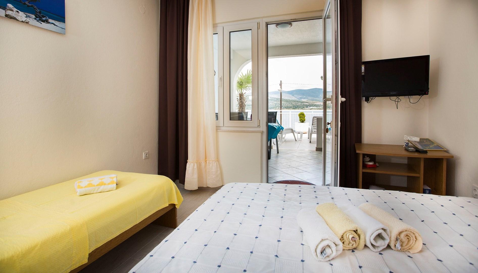 Ferienwohnung Apartments Ana / Studio A2 (1902968), Trogir, , Dalmatien, Kroatien, Bild 3
