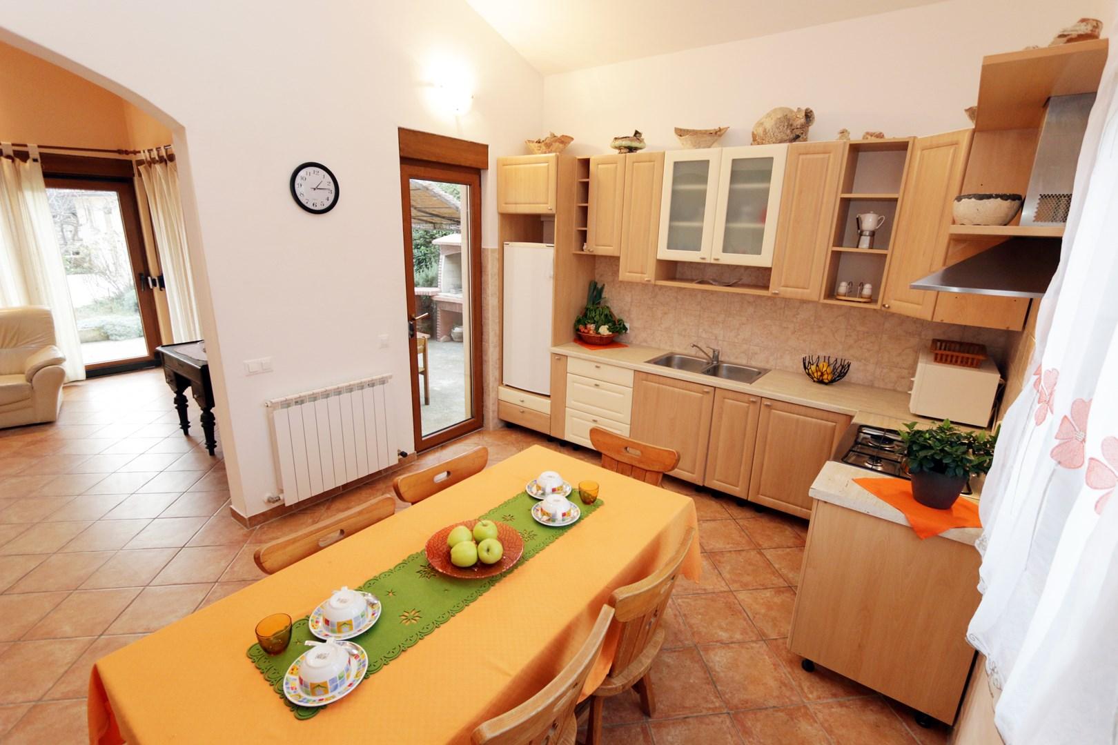 Ferienwohnung Apartments Maya / Two bedroom Apartment White A1 (1740092), Medulin, , Istrien, Kroatien, Bild 3