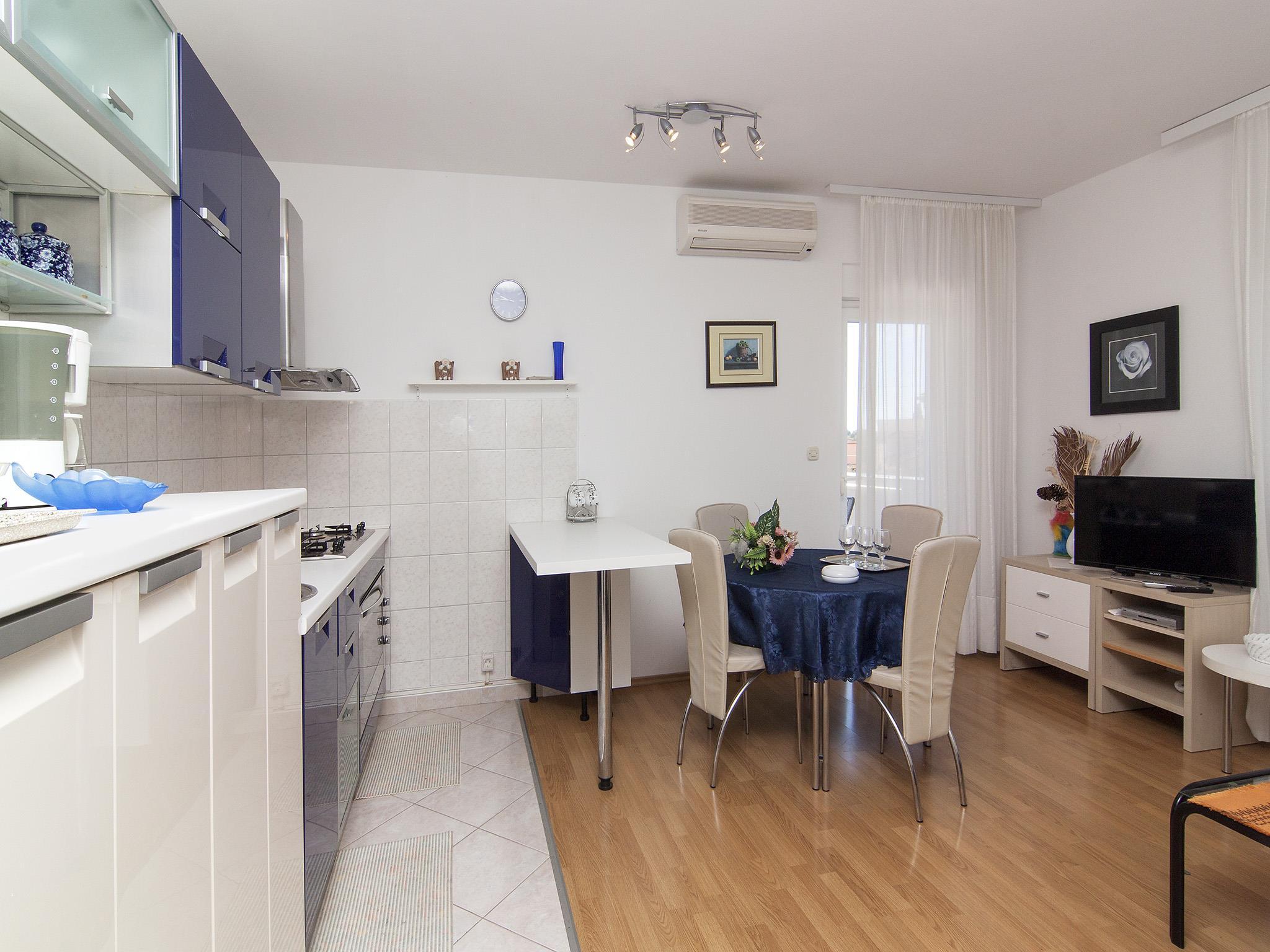 Ferienwohnung Apartments Ana / Two bedrooms Lavanda (1071730), Fažana, , Istrien, Kroatien, Bild 3
