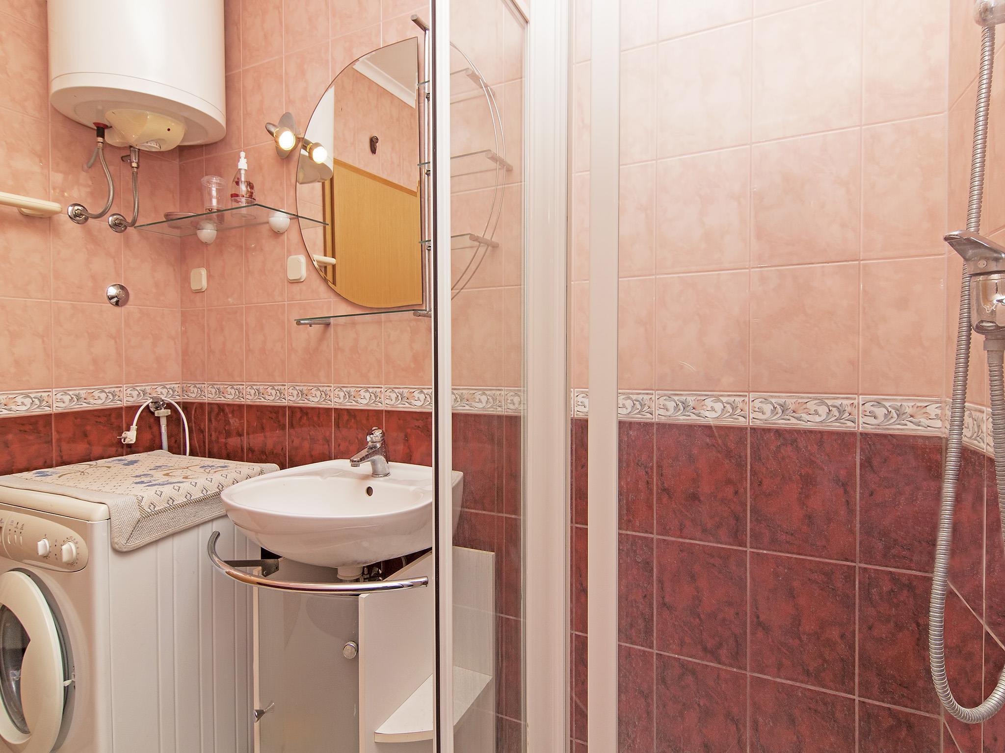 Ferienwohnung Apartments Ana / Two bedrooms Lavanda (1071730), Fažana, , Istrien, Kroatien, Bild 18