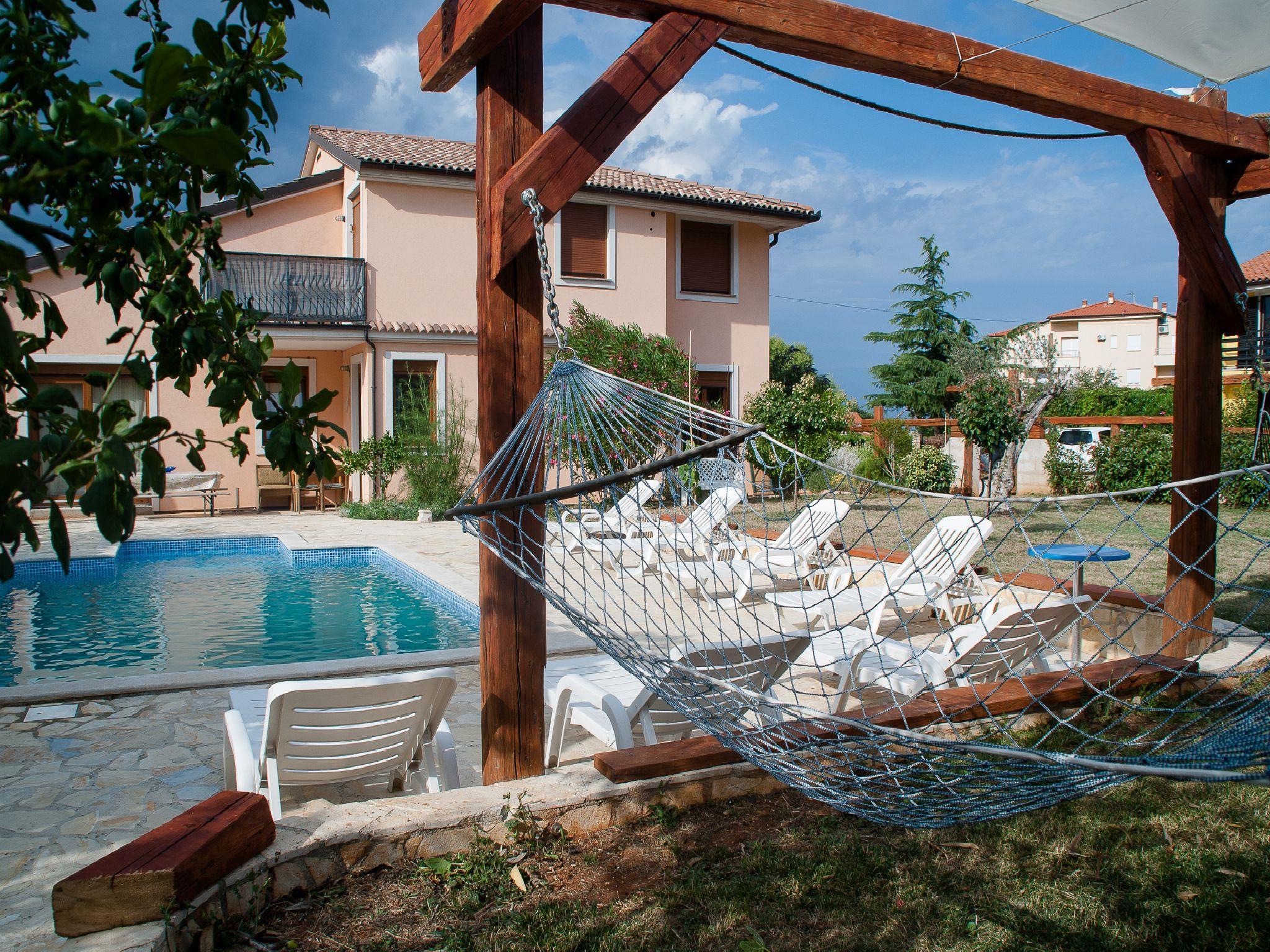 Ferienwohnung Apartments Maya / Two bedroom Apartment White A1 (1740092), Medulin, , Istrien, Kroatien, Bild 1
