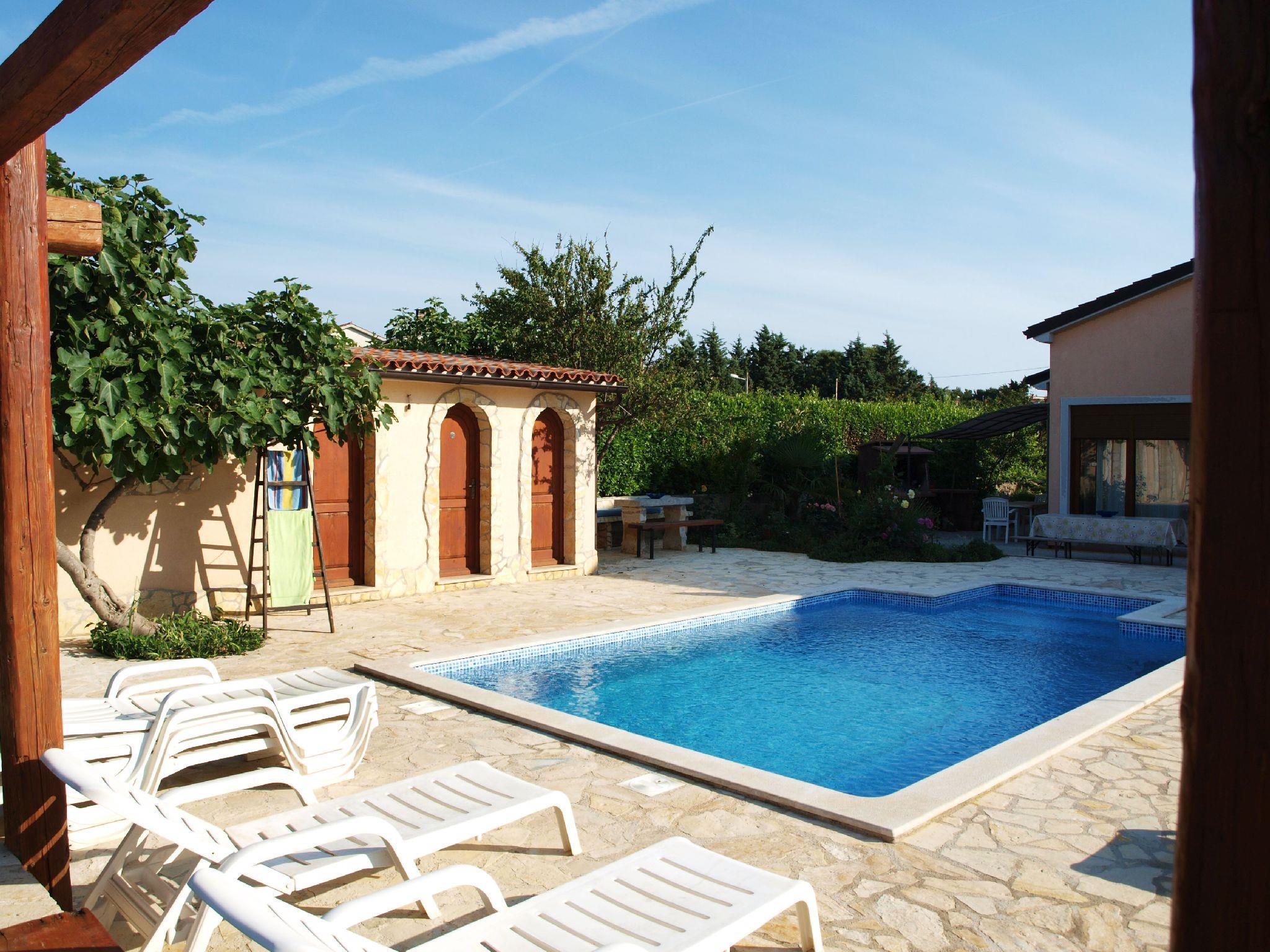 Ferienwohnung Apartments Maya / Two bedroom Apartment White A1 (1740092), Medulin, , Istrien, Kroatien, Bild 9