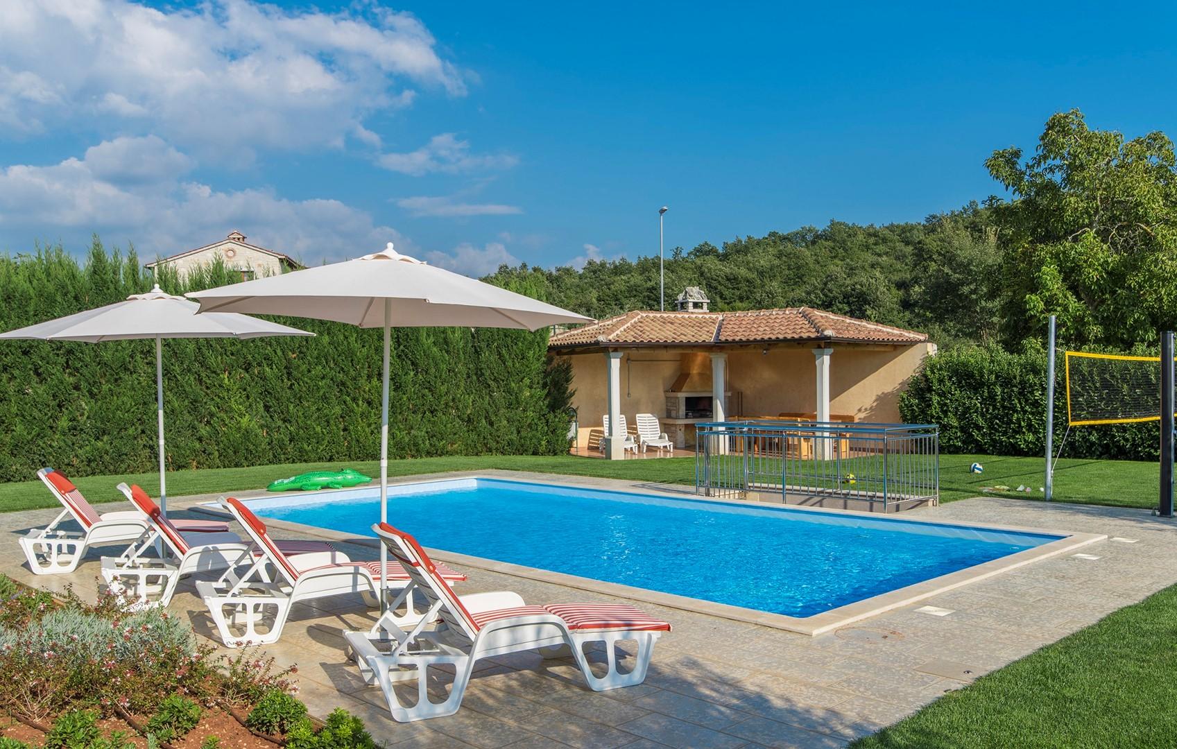 Ferienhaus Geräumige Villa Nikka mit schönem Garten und Pool (1412592), Kanfanar, , Istrien, Kroatien, Bild 5