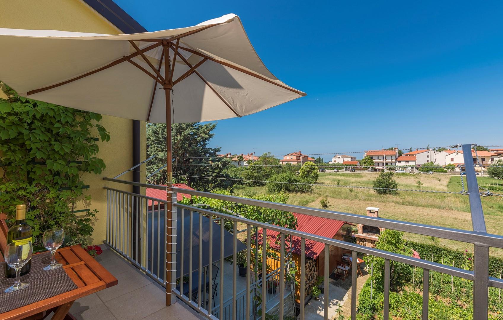 Ferienwohnung Apartnent Nensi mit Balkon (2080952), Vrvari, , Istrien, Kroatien, Bild 2