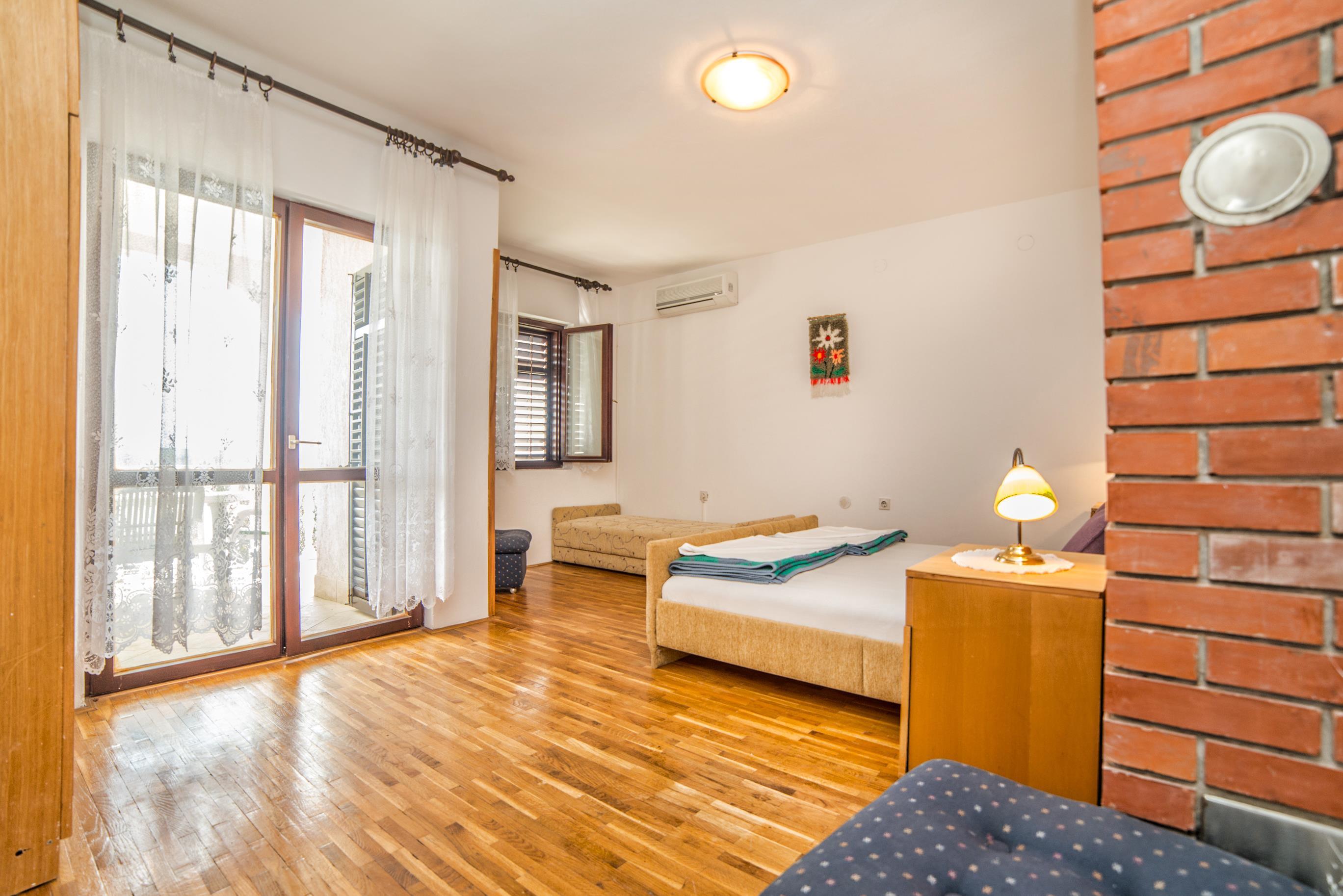 Ferienwohnung Apartments Grozdana / Two Bedrooms Niko 2 (1869133), Crikvenica, , Kvarner, Kroatien, Bild 7