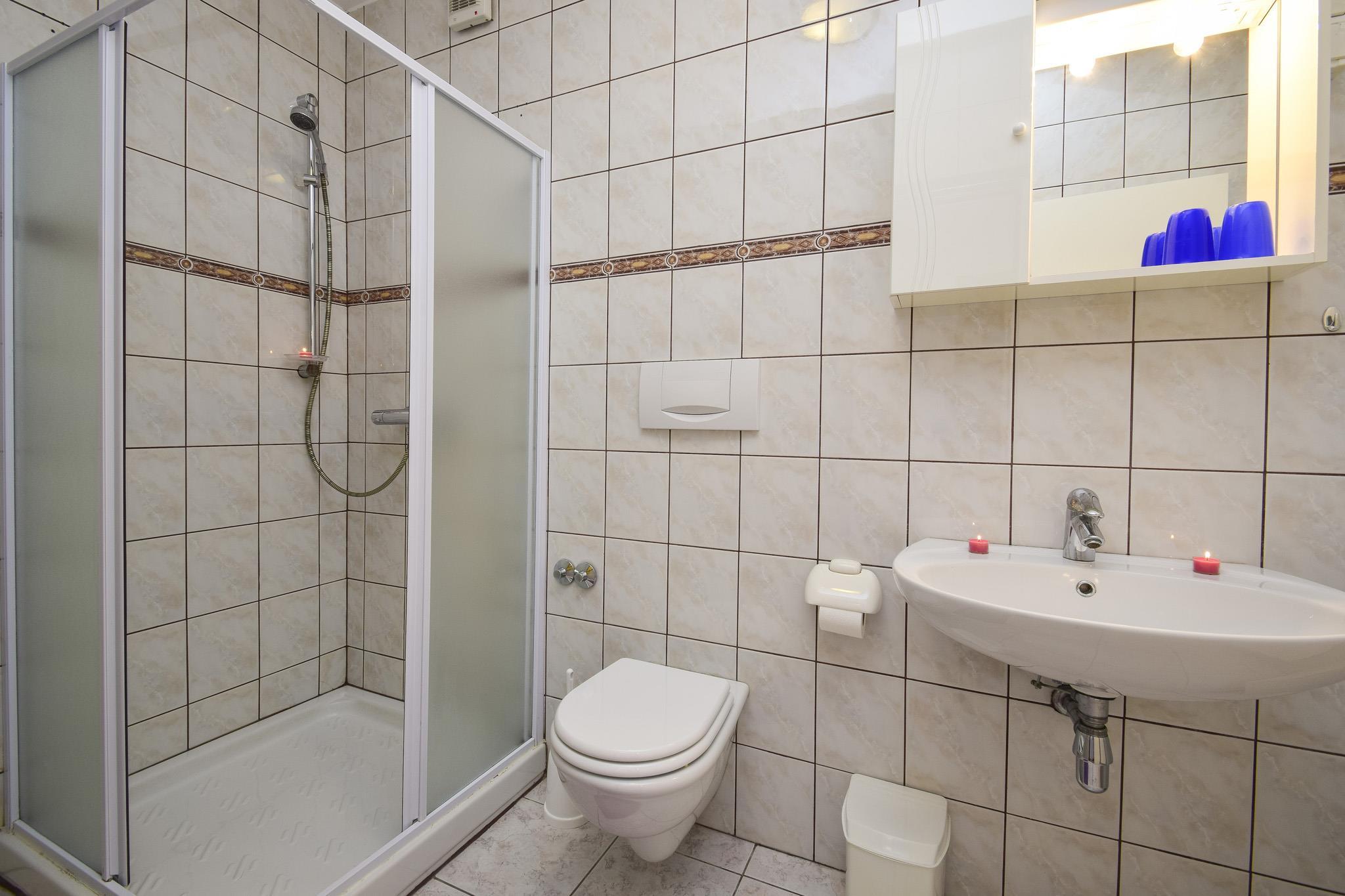 Ferienwohnung Apartments Sanja / Two bedrooms A6 (1928313), Vodice, , Dalmatien, Kroatien, Bild 7