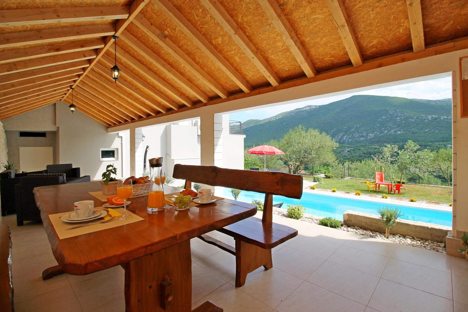Ferienhaus Privater Pool 3,5 x 8,6 m, überdachter Essbereich im Freien, kostenloses WLAN, voll - klim (2663850), Kostanje, , Dalmatien, Kroatien, Bild 4