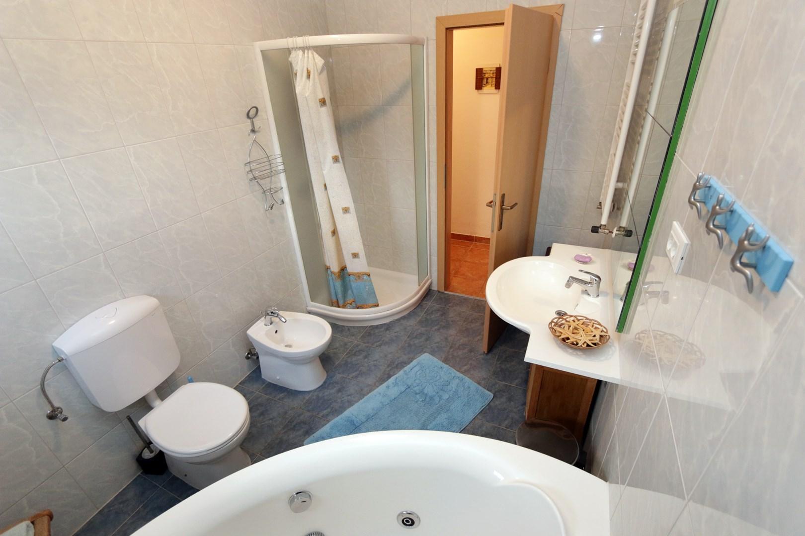Ferienwohnung Apartments Maya / Two bedroom Apartment White A1 (1740092), Medulin, , Istrien, Kroatien, Bild 31