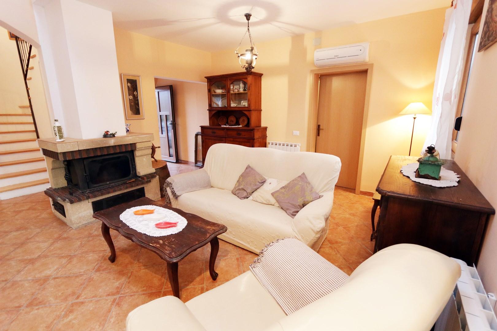 Ferienwohnung Apartments Maya / Two bedroom Apartment White A1 (1740092), Medulin, , Istrien, Kroatien, Bild 2