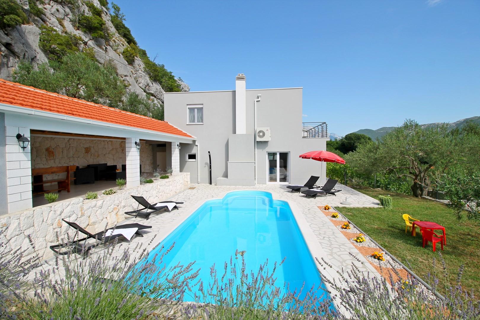 Ferienhaus Privater Pool 3,5 x 8,6 m, überdachter Essbereich im Freien, kostenloses WLAN, voll - klim (2663850), Kostanje, , Dalmatien, Kroatien, Bild 1