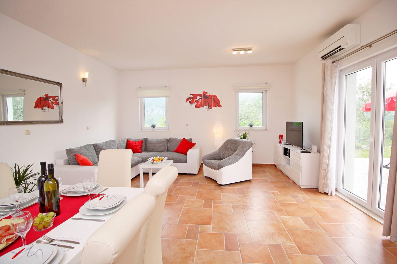 Ferienhaus Privater Pool 3,5 x 8,6 m, überdachter Essbereich im Freien, kostenloses WLAN, voll - klim (2663850), Kostanje, , Dalmatien, Kroatien, Bild 16