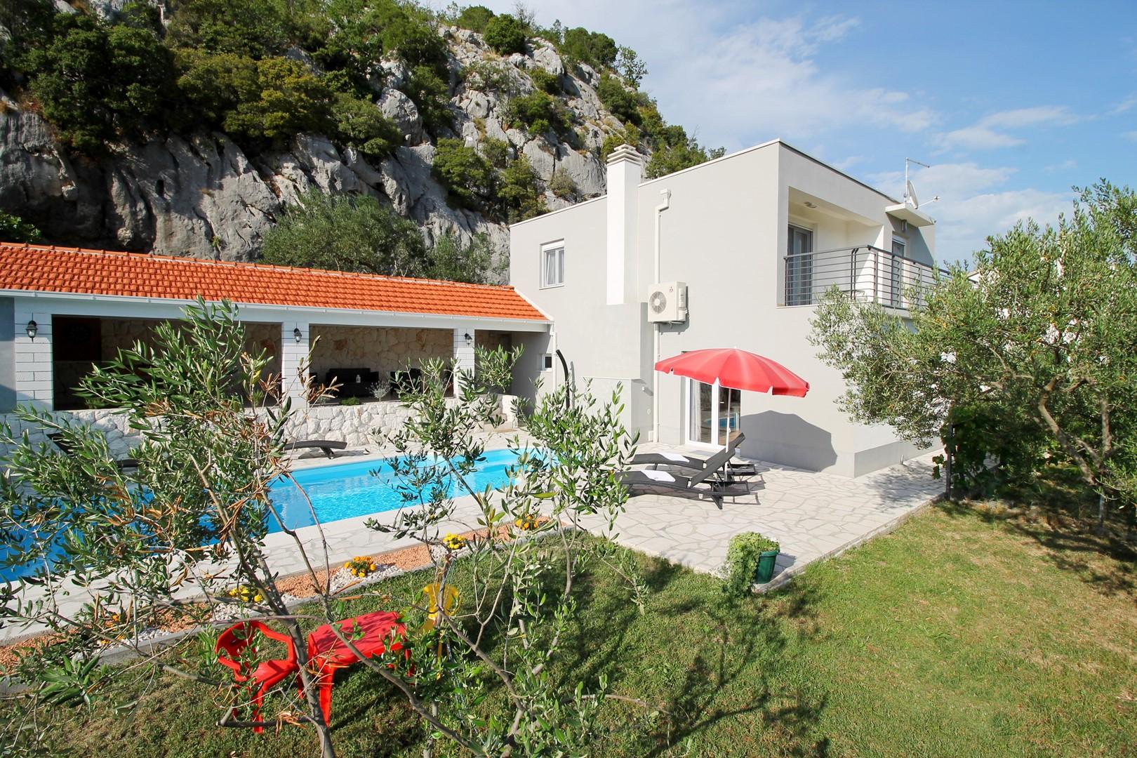 Ferienhaus Privater Pool 3,5 x 8,6 m, überdachter Essbereich im Freien, kostenloses WLAN, voll - klim (2663850), Kostanje, , Dalmatien, Kroatien, Bild 9