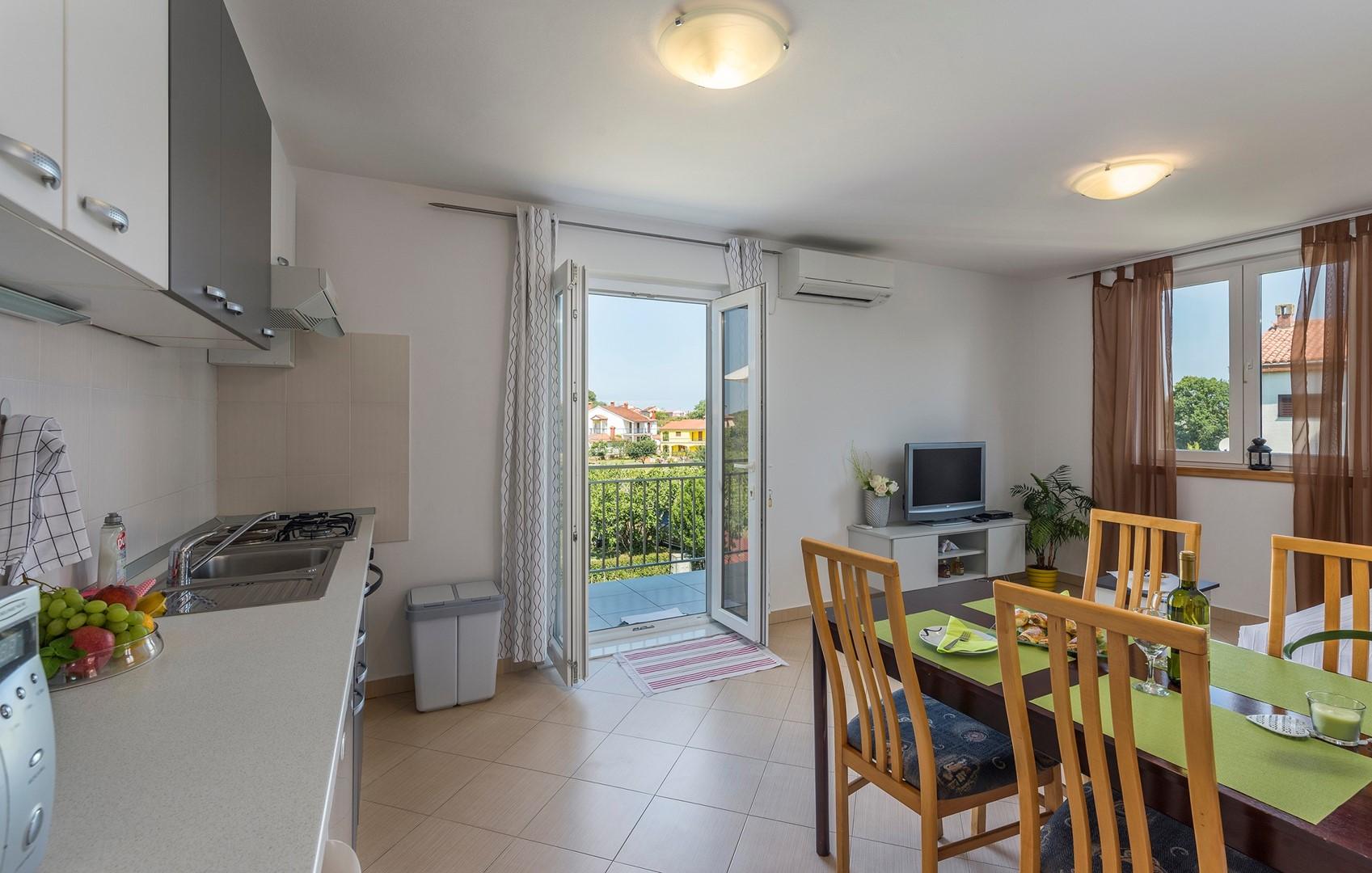 Ferienwohnung Apartnent Nensi mit Balkon (2080952), Vrvari, , Istrien, Kroatien, Bild 1