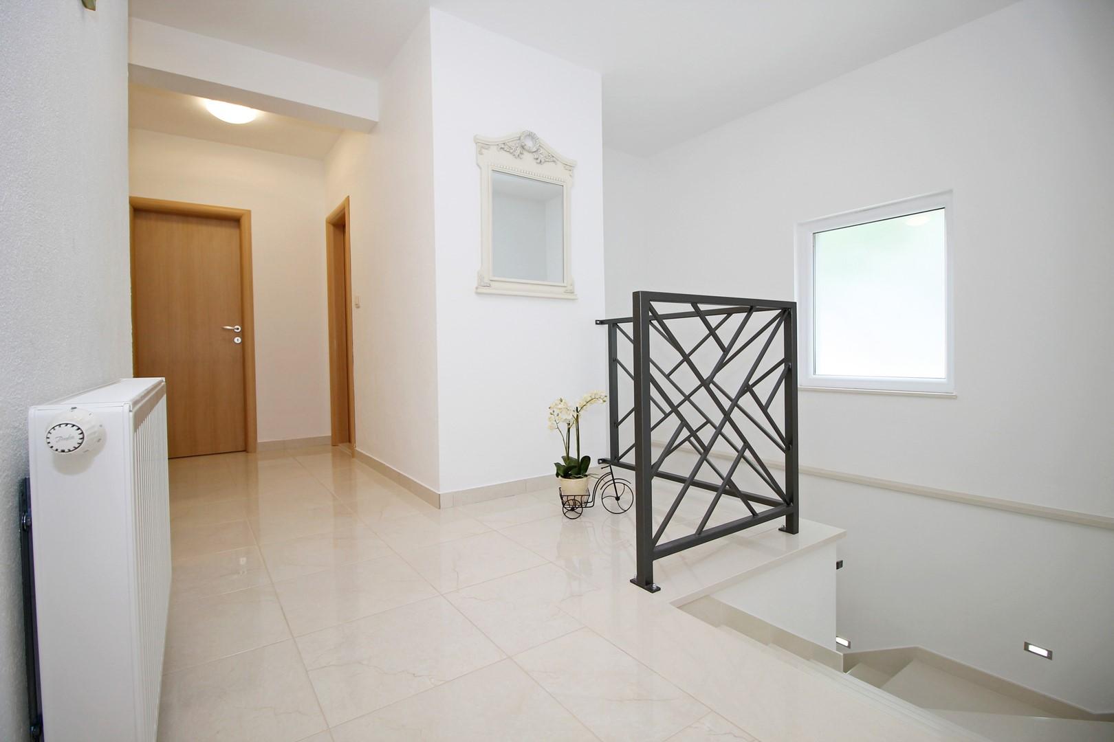 Ferienhaus Privater Pool 3,5 x 8,6 m, überdachter Essbereich im Freien, kostenloses WLAN, voll - klim (2663850), Kostanje, , Dalmatien, Kroatien, Bild 24